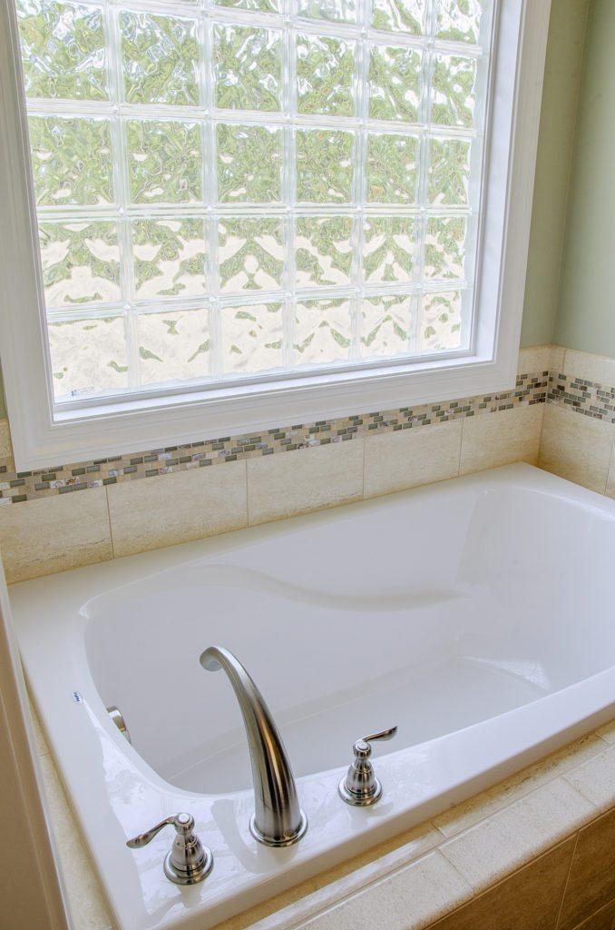 deep spa soaker tub